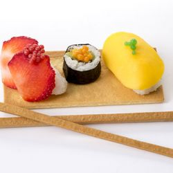 Dessert Uramaki (Inside Out Sushi Roll) Image